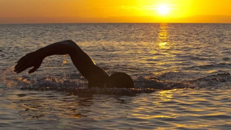OPEN WATER SWIMMING: TOP 5 TIPS FOR SWIMMING IN THE SEA